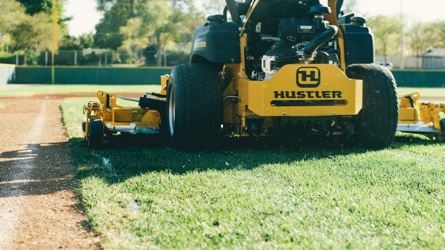 Hustler Super 104 Mowing 2