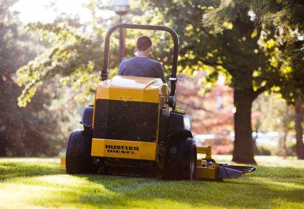 Hustler Z Diesel mowing2